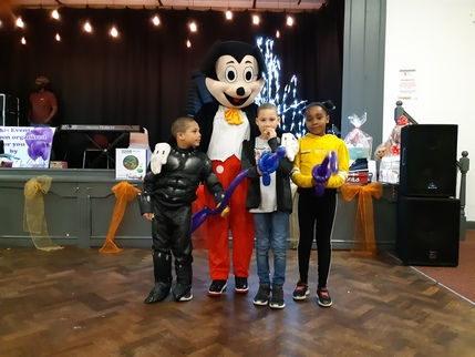Mickey Mouse with Children BDM 2019